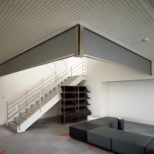防煙たれ壁|セレウォール不燃布製巻取式
